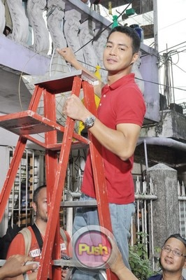 ABS-CBN Christmas Station ID 2012 (Part 1)_00178-471