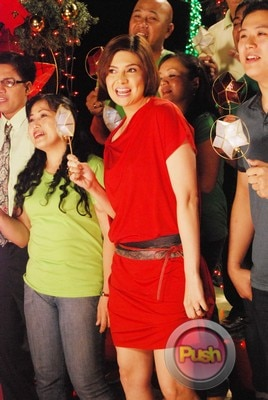 ABS-CBN Christmas Station ID 2012 (Part 2)_00060-472