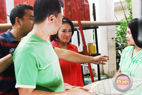 ABS-CBN Christmas Station ID 2012 (Part 2)_00088-472
