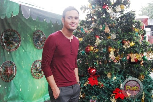ABS-CBN Christmas Station ID 2012 (Part 2)_00106-472