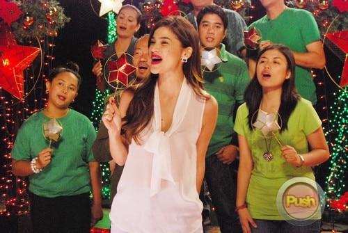 ABS-CBN Christmas Station ID 2012 (Part 2)_00119-472