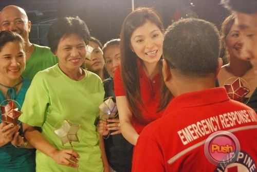 ABS-CBN Christmas Station ID 2012 (Part 2)_00134-472