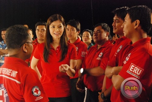 ABS-CBN Christmas Station ID 2012 (Part 2)_00138-472