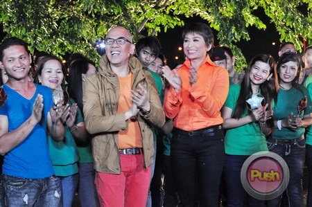 ABS-CBN Christmas Station ID 2012 (Part 3)_00013-473