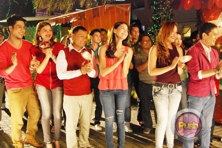 ABS-CBN Christmas Station ID 2012 (Part 3)_00056-473