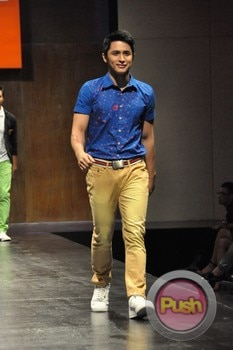 Mint Fashion Show at SMX Hall_00056-481