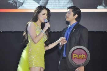 The 2012 ABS-CBN Christmas Special (Part 1)_00004-513