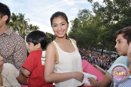 The 38th Metro Manila Film Festival Parade of Stars (Part 2)_00026-529