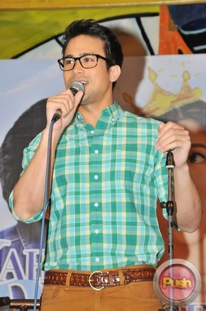 Kahit Konting Pagtingin Grand Press Con at Laffline Comedy Bar_00028-543