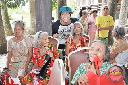 Enrique Gil's charity event_00079-574