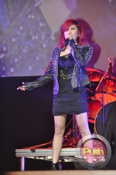 Yeng Constantino at the Academy of Rock Singapore_00049-595