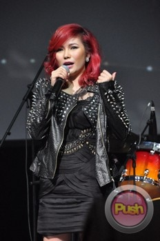 Yeng Constantino at the Academy of Rock Singapore_00086-595