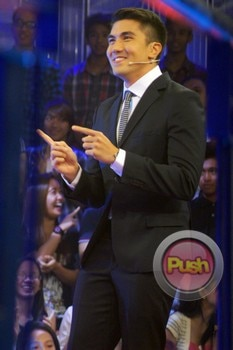 'Deal or No Deal' (Luis Birthday Episode)_00002-631
