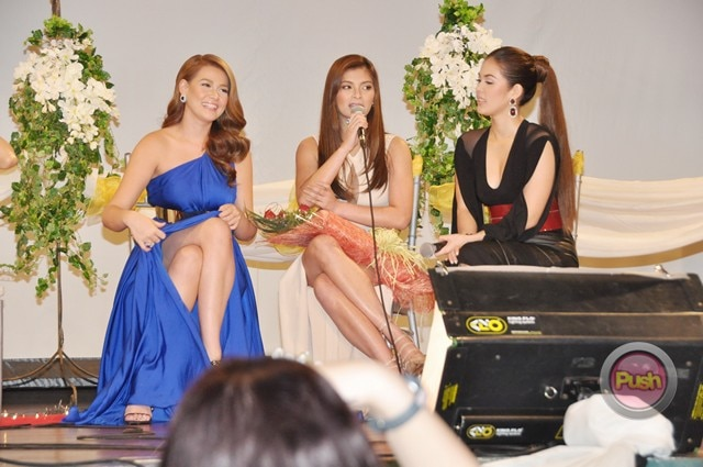 Four Sisters and A Wedding Presscon_00101-669