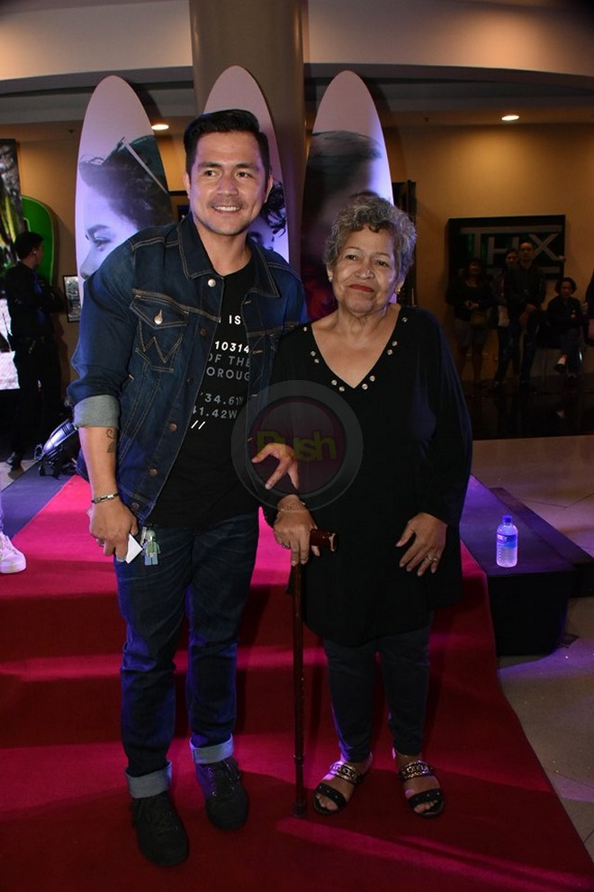 The family and celebrity friends of the cast of 'Siargao' attended the screening of the movie.