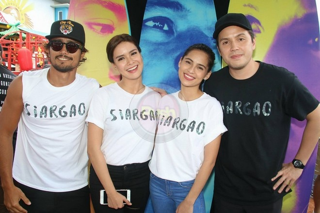 The stars of this year's MMFF entries have gathered for fans at the annual float parade.