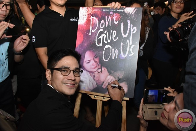 The movie Don't Give Up On Us was first shown on Philippine cinemas in 2006.