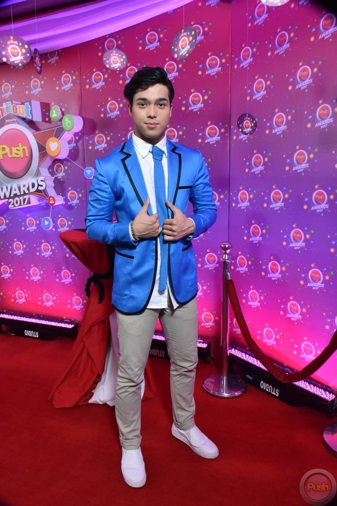 Celebrities walked the red carpet of Push Awards 2017.