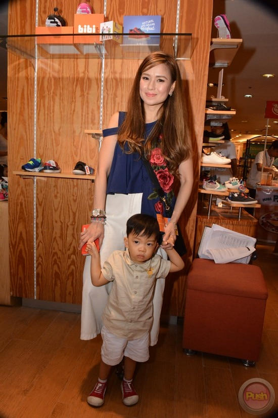 Former PBB housemate Say Alonzo with her son Asher