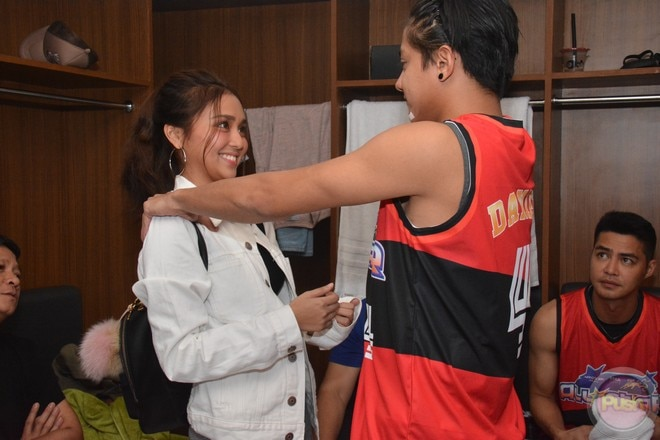 KathNiel's sweet moments at the Star Magic all-star game 2017 (10)