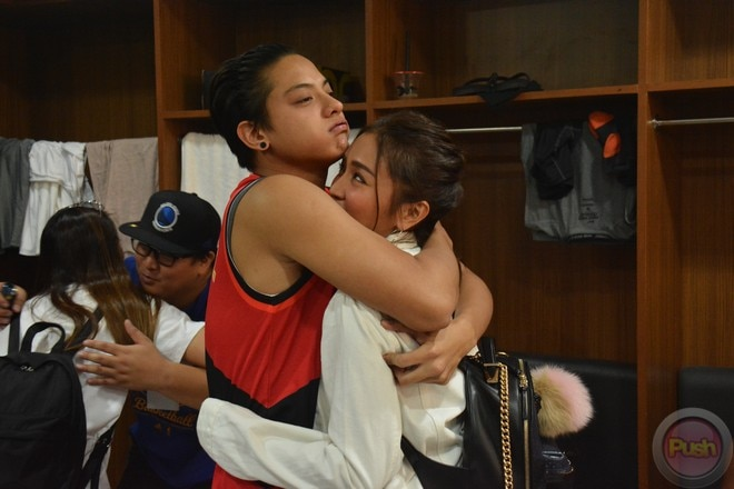 KathNiel's sweet moments at the Star Magic all-star game 2017 (2)