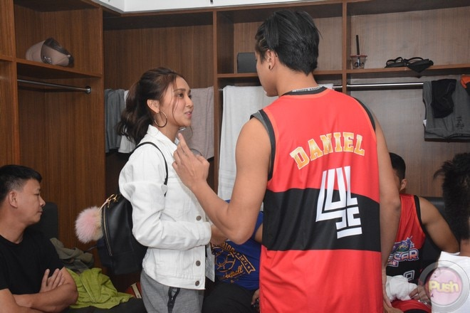 KathNiel's sweet moments at the Star Magic all-star game 2017 (5)