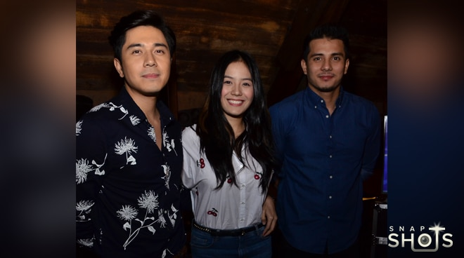 Kulitan with the cast of The Promise of Forever