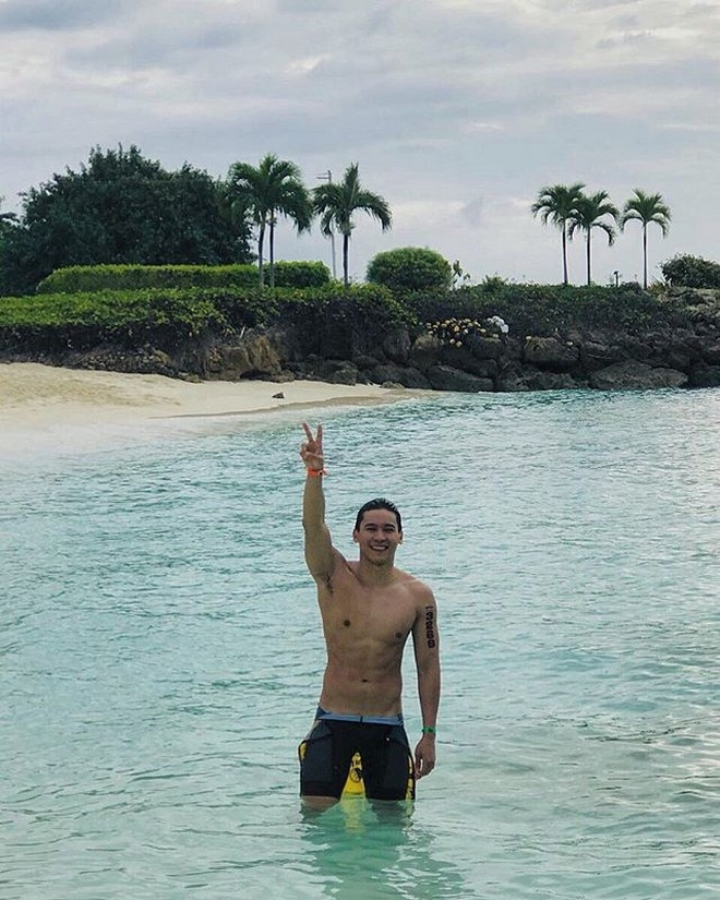 Enchong Dee appreciates his guardian angel for being with him as he swims.
