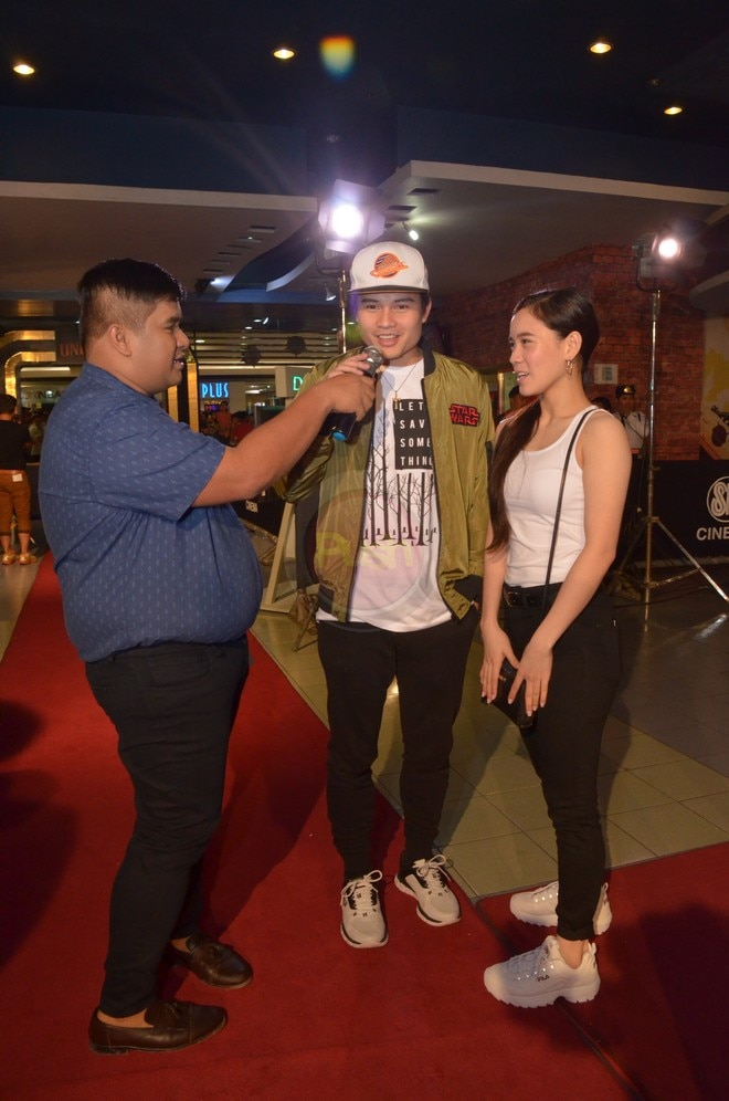 It's Showtime's Ate Girl and Hashtags' Tom supported Vhong Navarro's movie Unli Life's premiere.