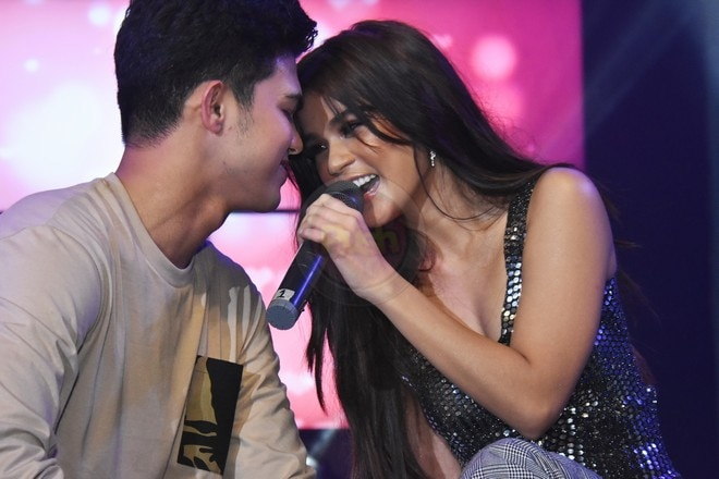 Here are some of the happenings from the Maris' album launch.