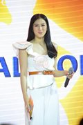 Melai and Alex looked beautiful in white at a detergent brand's event.