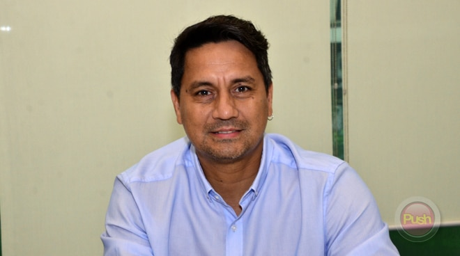 Richard Gomez becomes bus driver for a day in Ormoc City