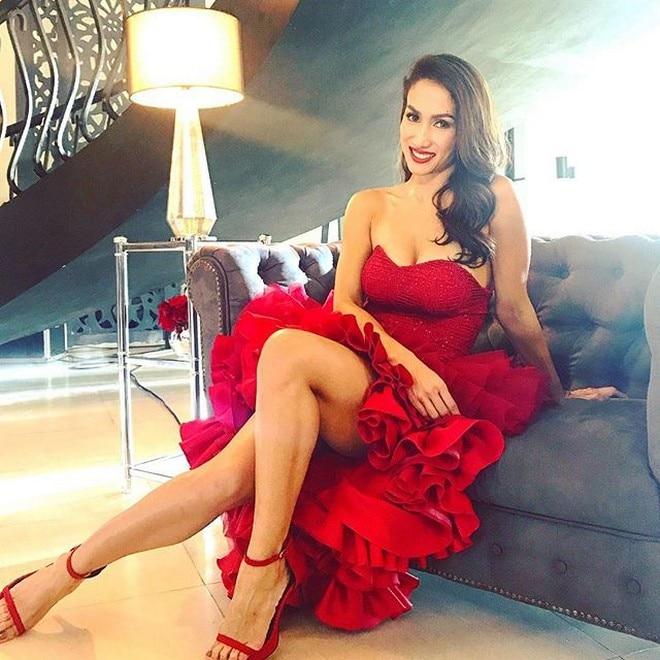 Ina Raymundo, 42 years old