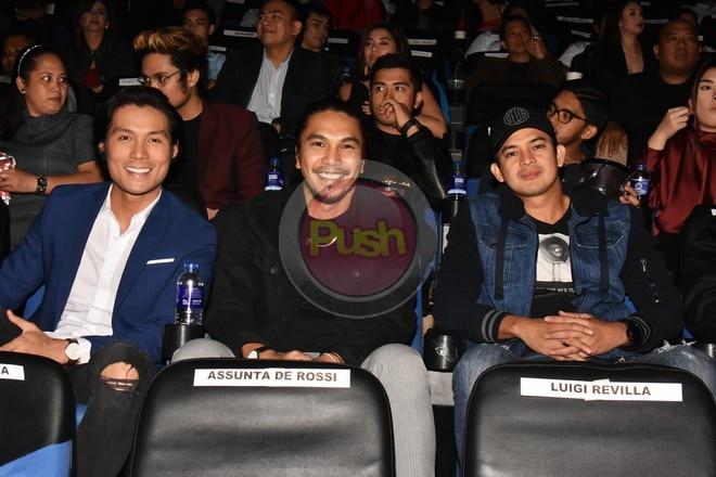 Ang Tres ay pinagbibidahan ng Revilla brothers na sina Jolo, Bryan at Luigi.