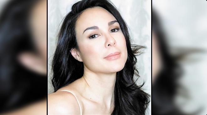 Gretchen Barretto, may sagot sa netizen na sinabing mukha siyang malungkot