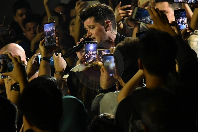 Danny O'Donoghue singing around the venue was one of the highlights of their Manila concert.