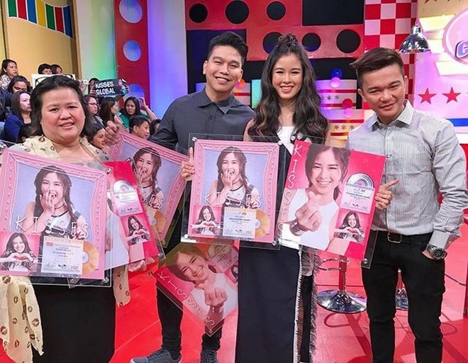 Congrats, Kisses as your album reached platinum status.