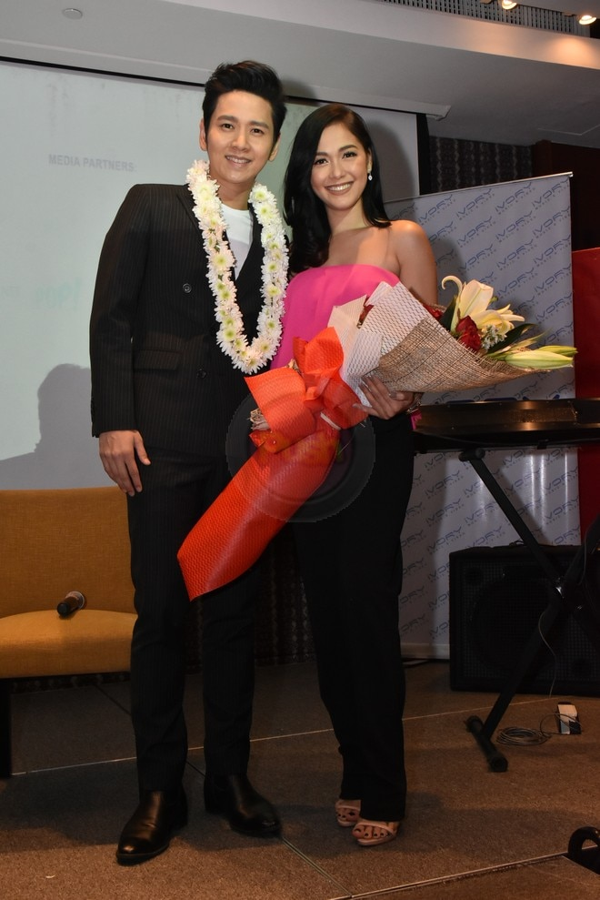 Thai singer ToR Saksit and Maja Salvador collaborated for the song Falling Into You.