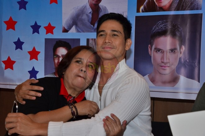 Piolo and his son Inigo happily graced the party of his fans club 'Solid Friends of Piolo Pascual'