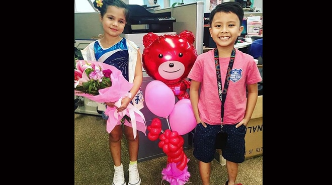 Cute and talented kids Xia Bernardo and Onyok Pineda dropped by the Star Magic office on Valentine's