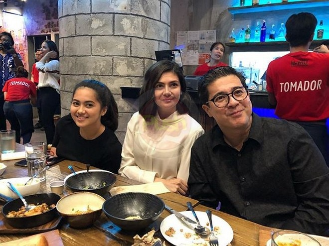 Ex-couple Aga Muhlach and Janice de Belen reunite at son Luigi's resto opening