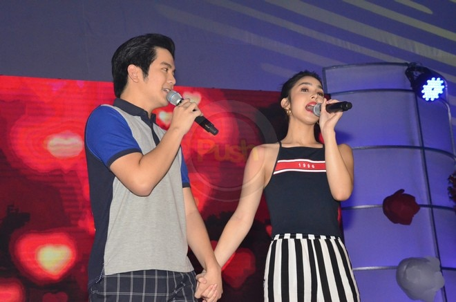Joshua Garcia & Julia Barretto had a great time with their fans at the Just Love Araw Araw fan meet.
