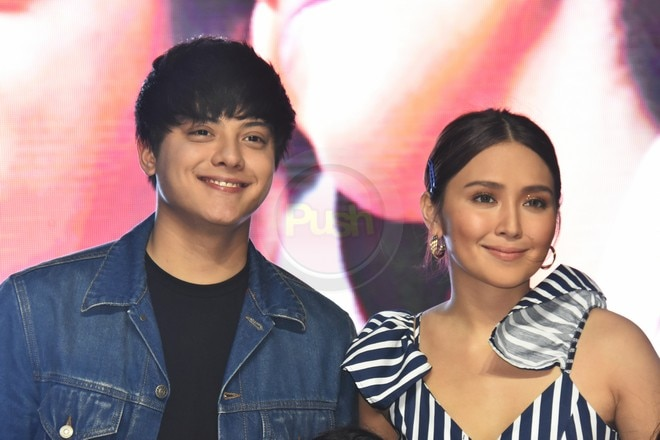 Daniel Padilla and Kathryn Bernardo wowed fans with their gorgeous looks at the Sterling mall show.