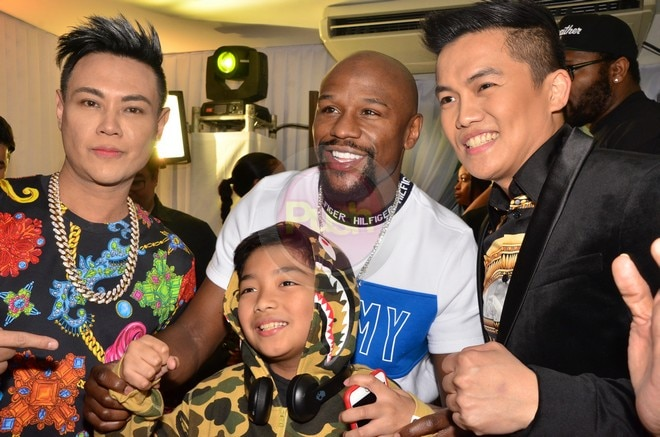 Boxing champ Floyd Mayweather Jr. is now an endorser of Frontrow.