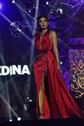Beauty queens came together to give Catriona a homecoming tribute.
