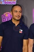 Dingdong Dantes is the newest endorser of Dunkin' Donuts.