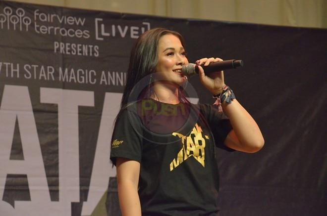 Star Magic Circle 2019's new artists attended the Tatak Star Magic mall show.