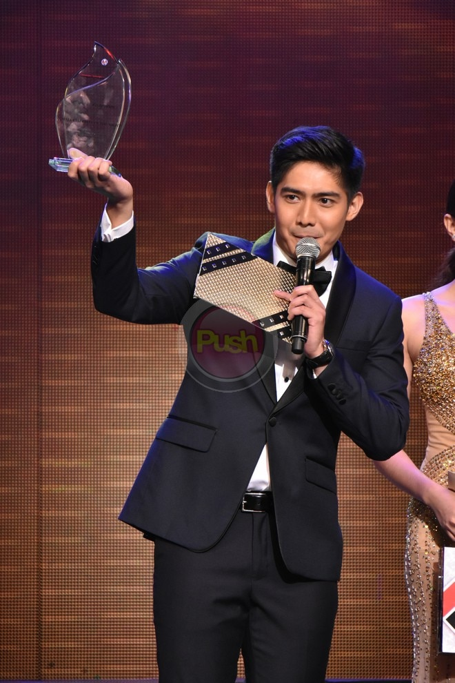 Check out what transpired at the recently held Star Awards for Movies.