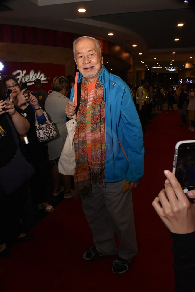 Check out the stars who made it to the red carpet premiere.