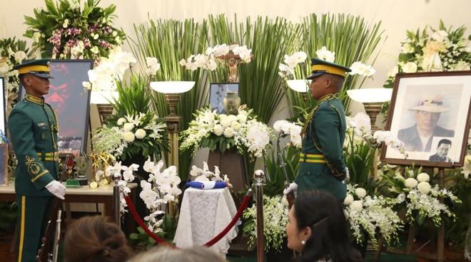 Philippine Army, nagbigay pugay kay Eddie Garcia